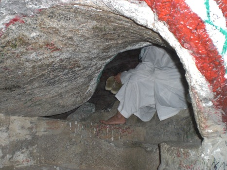 lubang-gua-thaur1
